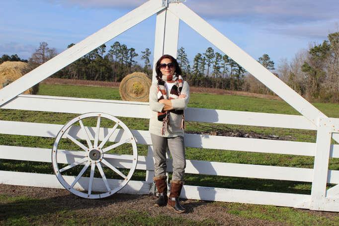 Southern farm gate