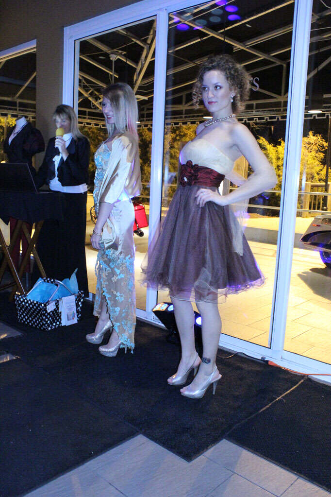Style Strand Fashion - Elegant and stylish dresses