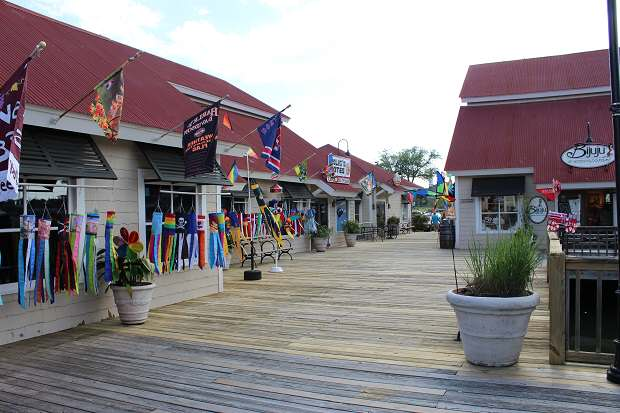 Barefoot Landing - the kite store