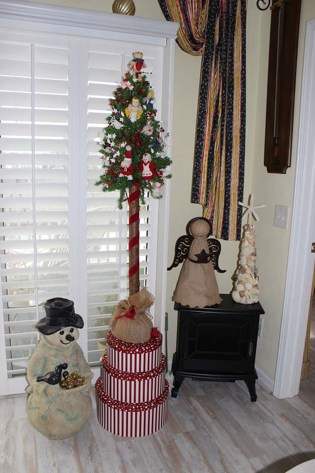 Mrs Gail's Christmas Ornaments - Christmas Tree Ornament